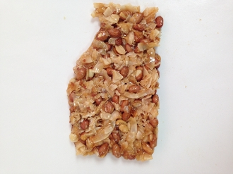Coconut Mace Brittle